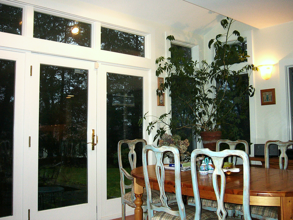 These windows give a crisp clean look, and are perfectly suited for this dining room.