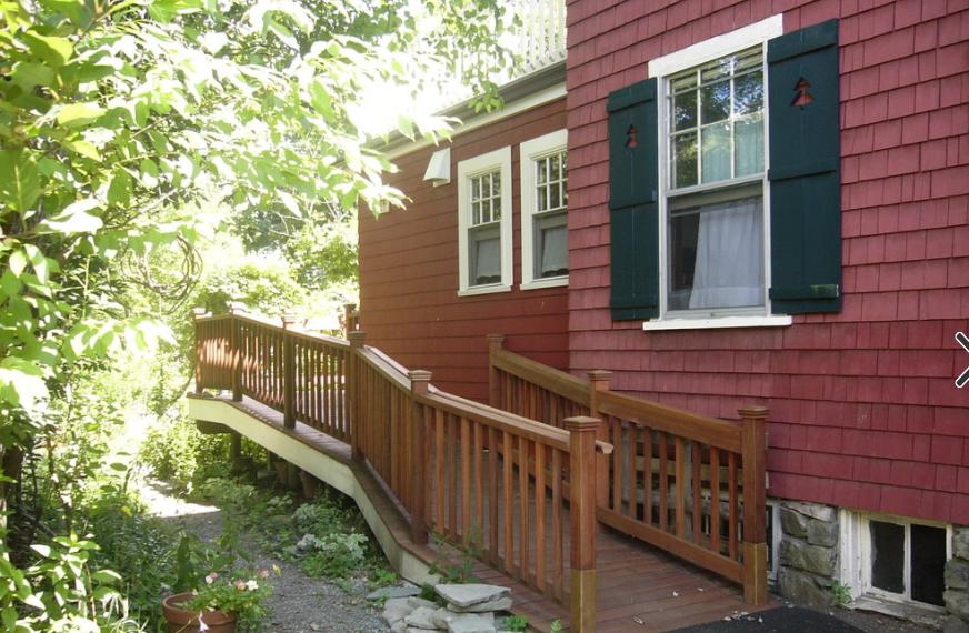 Outdoor ramp