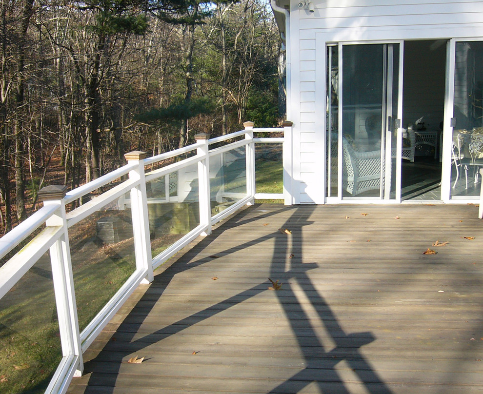 This photo shows the benefits and beauty of glass railings.