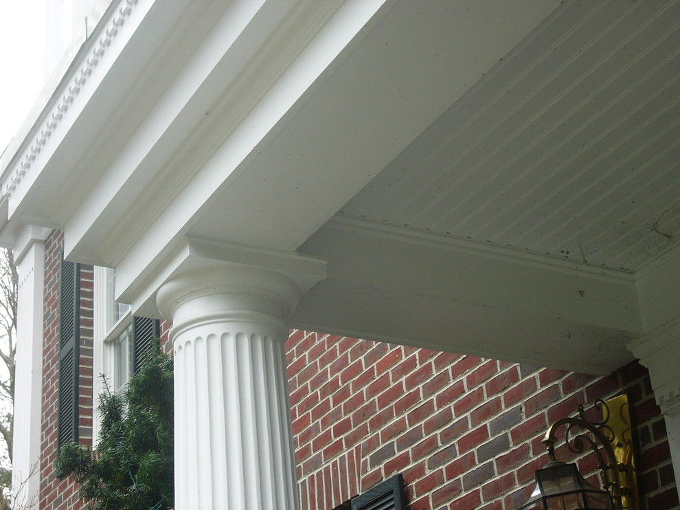 The ceiling and trim on this front porch are stunning.