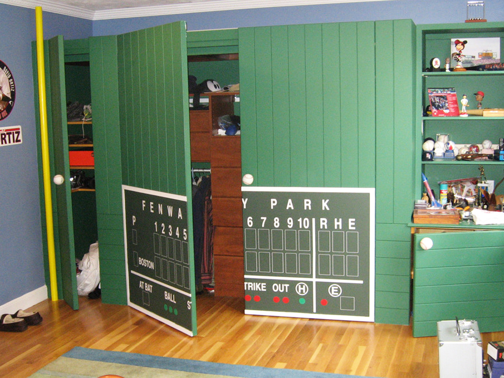 This room is a paradise for all Boston kids! (ost Boston adults would love it, too.) Hidden behind the green monster is additional storage. Don can build anything!